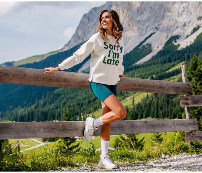 Bluzy damskie na jesień hurt – poznaj bestellery sezonu