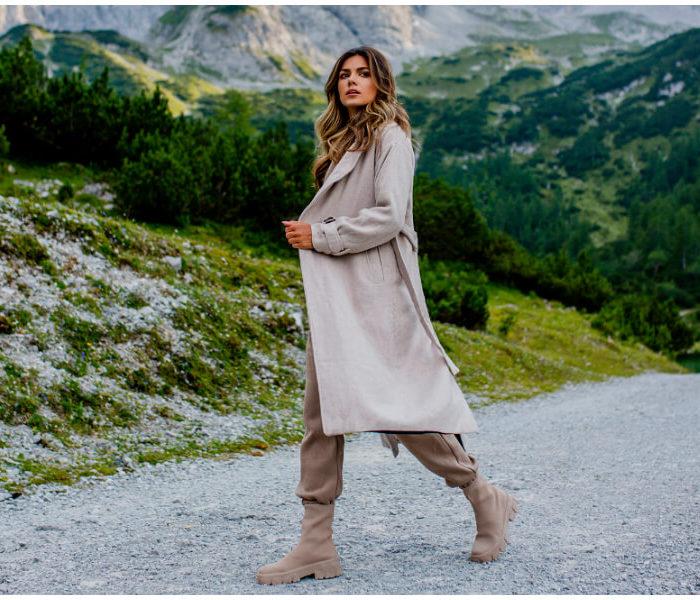 Hurtownia kurtek damskich – przegląd modnych modeli